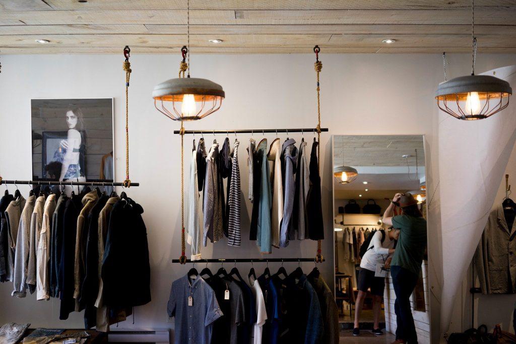 Brand Kaos Lokal